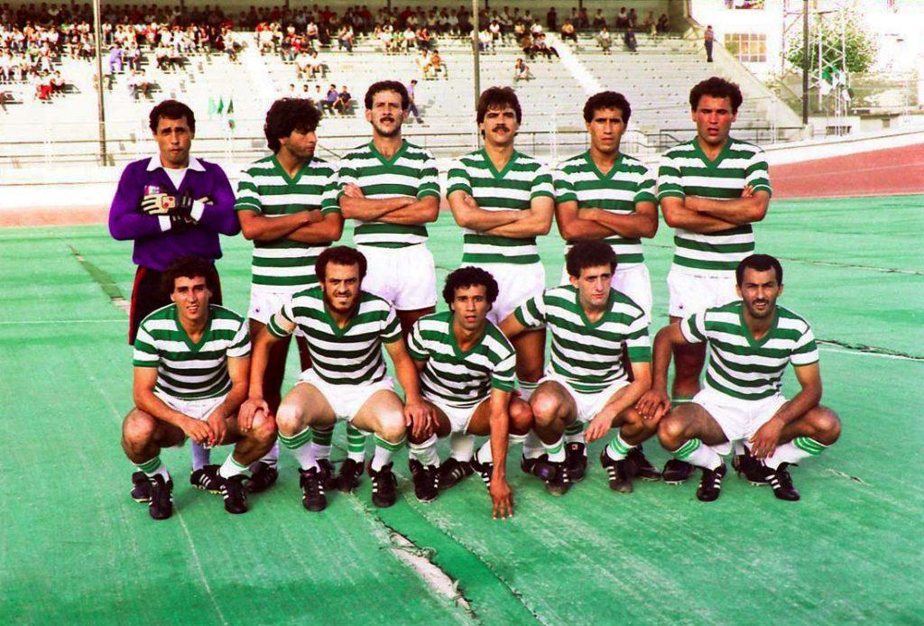 Le RCK saison 1987-1988 sur le tartan endommagé du stade du 20-Août.