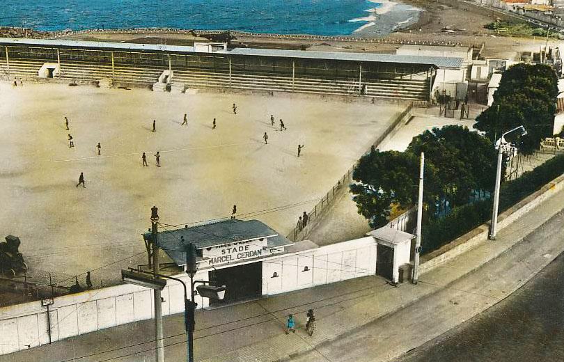 Le stade Marcel-Cerdan (aujourd'hui Mohamed-Ferhani) en tuf dans les années 1950.