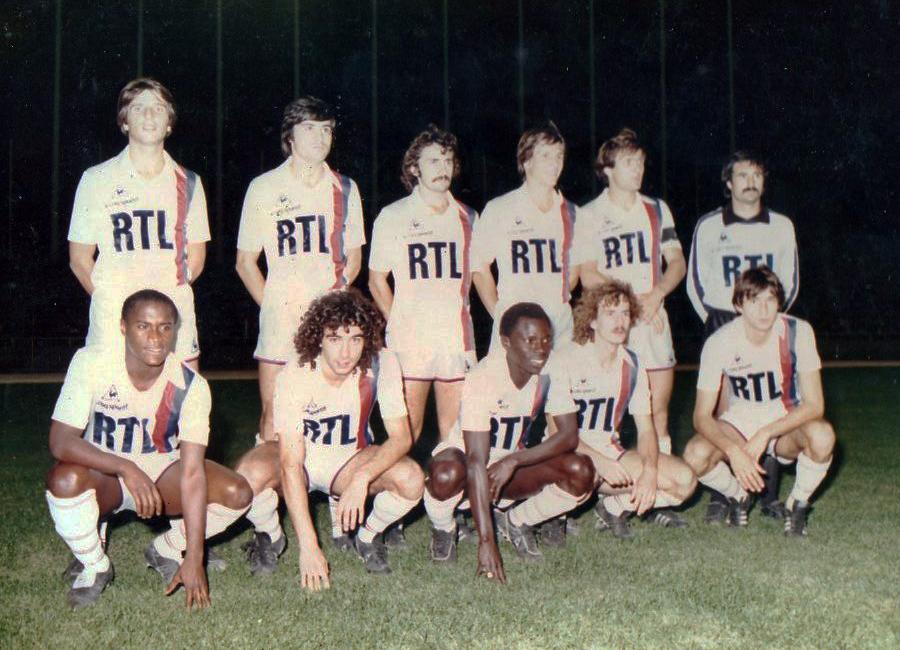 L'équipe du PSG au stade du 5-Juillet-1962 en septembre 1981.